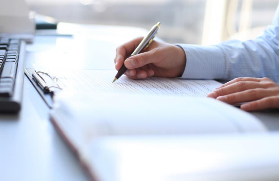 podpis-umowa-bracia-sadurscy