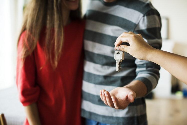 Jak kupić mieszkanie przez biuro nieruchomości Wszystko to, co warto wiedzieć